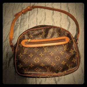 Classic Louis Vuitton vintage shoulder bag